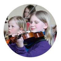 Mädchen an der Geige